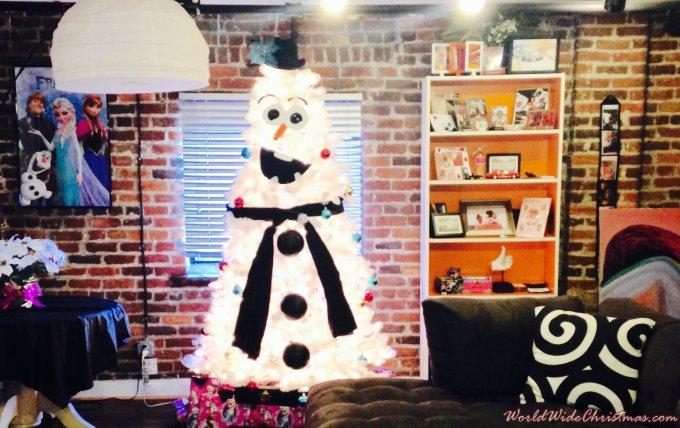 Olaf Christmas Trees.Holiday Olaf S Christmas Tree From Virginia Usa