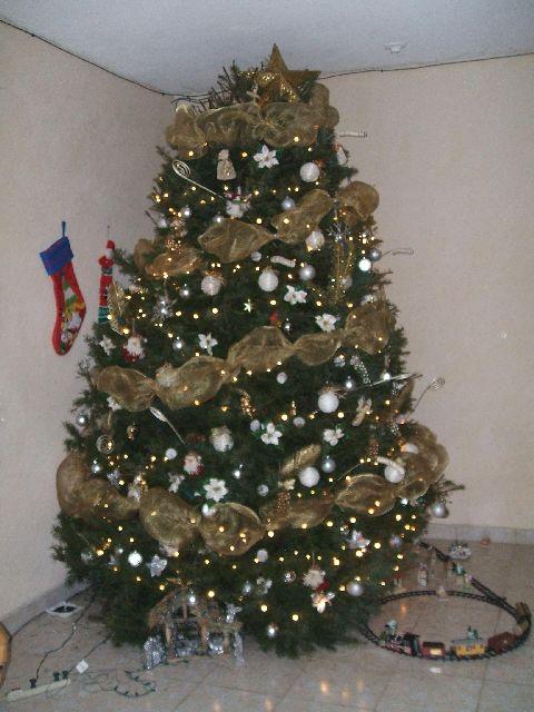 Rbol de navidad de margarita ord ez dorado tampico m xico - Arboles de navidad dorados ...
