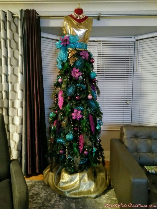The Christmas Dress (Kenora, Ontario, Canada)